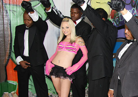 Pretty punk Faye Runaway gets bukkaked by ten black men from Bro Bang